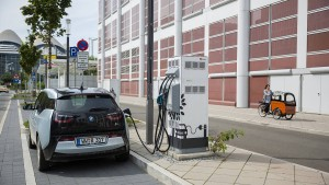 Sonnen bietet seinen Kunden eine kostenlose Autoladestation