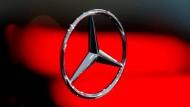 Ein chinesischer Autobauer hat anscheinend ein Auge auf Daimler geworfen.