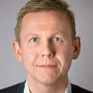 """Tobias Ruether - Portraitaufnahme für das Blaue Buch """"Die Redaktion stellt sich vor"""" der Frankfurter Allgemeinen Zeitung"""