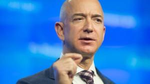 Jeff Bezos besitzt derzeit 112.000.000.000 Dollar