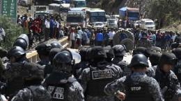 Straßenschlachten in Bolivien