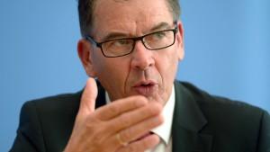 Entwicklungshilfeminister nennt EU-Politik beschämend