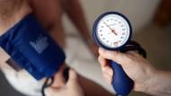 Niedriger Blutdruck erleichtert die Behandlung gefährlicher Aneurysmen.