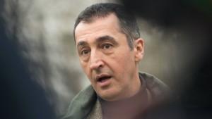 Ein Affront: Özdemir unter Polizeischutz