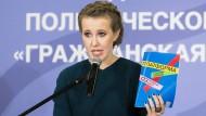 """""""Äffchen für die Intelligenzija"""": Die glamouröse Journalistin Xenia Sobtschak kandidiert als erste Frau für das russische Präsidentenamt."""