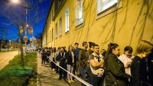 Stimmabgabe um mehrere Stunden verlängert