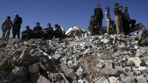 Iran stellt Rettungseinsätze im Erdbebengebiet ein