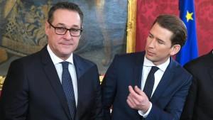 """SPD-Chef Schulz beklagt """"Rechtsruck"""" in Österreich"""
