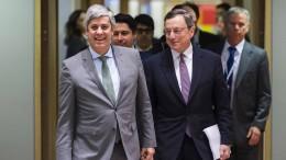Euro-Finanzminister billigen weitere Hilfsmilliarden für Griechenland