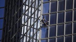 Spinnenmann in Paris nicht zu stoppen
