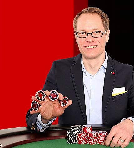 Jan Heitmann gilt als Deutschlands renommiertester Pokerexperte. 2012 gewann er 300.000 Dollar in Las Vegas, heute arbeitet er als Trainer und hält Vorträge in Unternehmen.
