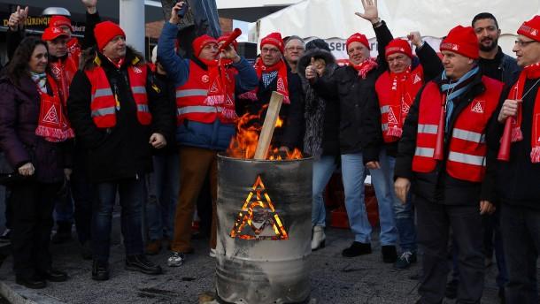 IG Metall und Arbeitgeber einigen sich auf Tarifabschluss