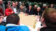 Alle an einem Tisch: Andrea Nahles skizziert auf der Regionalkonferenz in Mainz ihre Pläne für die SPD.