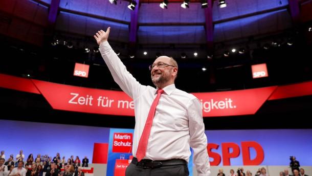 Politische Gegner schießen sich auf Schulz ein