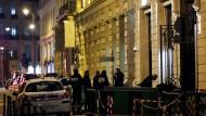 Am Tatort:  Die Polizei in Paris war den Räubern schnell auf den Fersen.