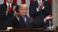 Donald Trump kurz nach dem Ende seiner Rede zur Lage der Nation in der vergangenen Woche im Kongress in Washington.