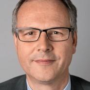 """Andreas Mihm - Portraitaufnahme für das Blaue Buch """"Die Redaktion stellt sich vor"""" der Frankfurter Allgemeinen Zeitung"""