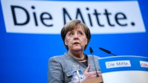 CDU-Mitglieder sehen sich ideologisch rechts von ihrer Partei