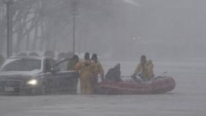 Mindestens 20 Tote durch Wintersturm