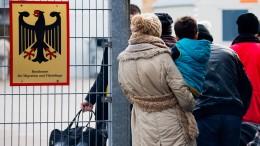 2017 halb so viele Asylbewerber wie im Jahr zuvor