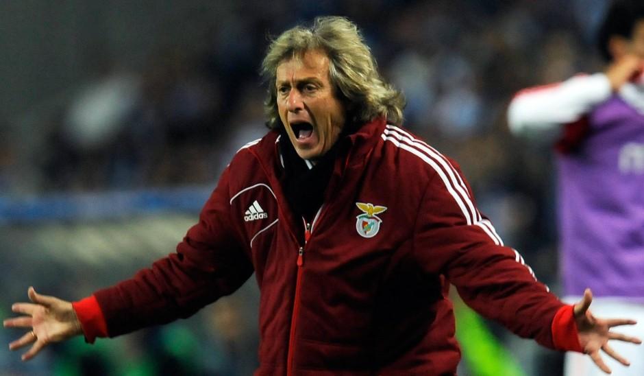 Benficas Trainer kann es nicht fassen: Jorge Jesus nach der Last-Minute-Niederlage in Porto