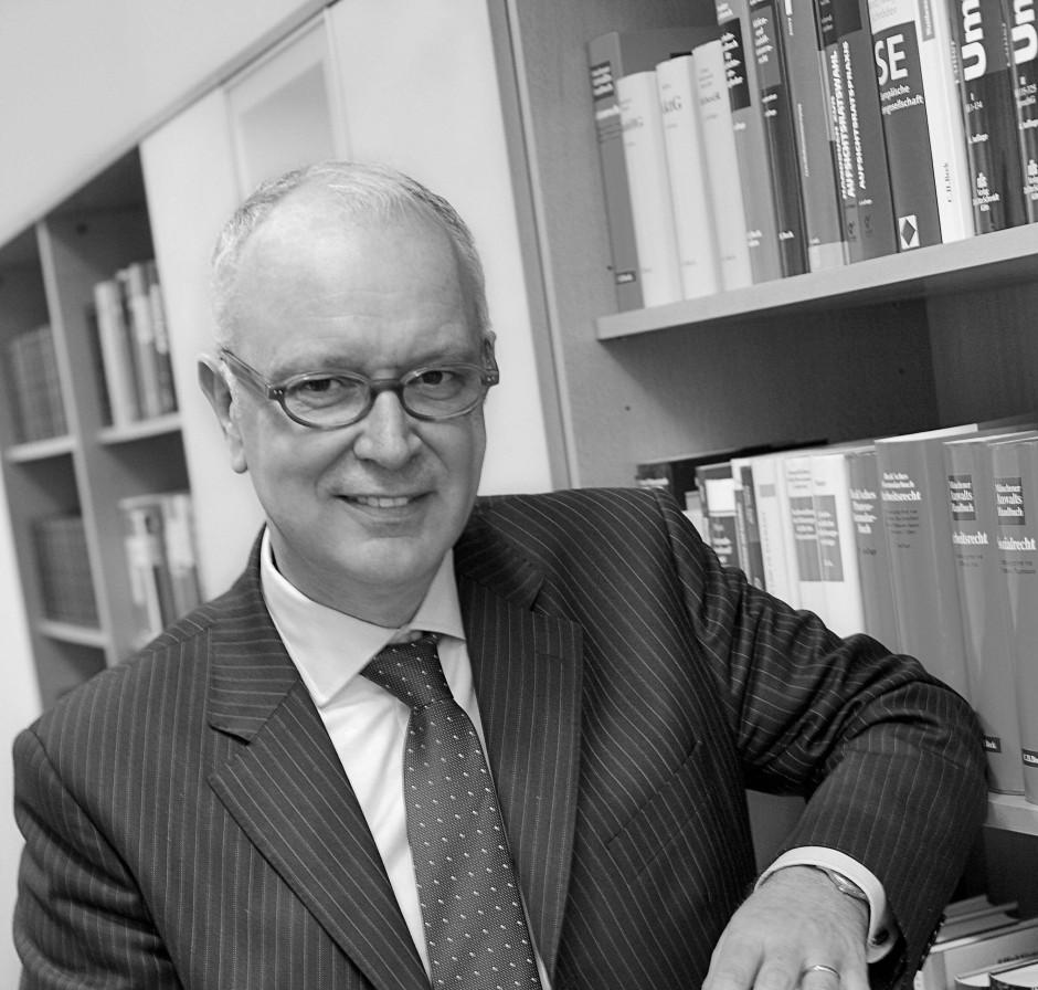 Norbert Pflüger ist Fachanwalt für Arbeitsrecht in Frankfurt.