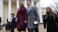 Donald Trump Junior und seine Noch-Ehefrau Vanessa verlassen mit ihren Kindern Donald Trump III. und Kai einen Gottesdienst in Washington D.C.