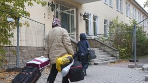 Grüne kritisieren neue Asylzentren