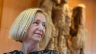 Grenzen überschritten: Bildungsministerin Johanna Wanka (CDU) im Mai 2017 im Bundesverfassungsgericht in Karlsruhe (Archivbild)