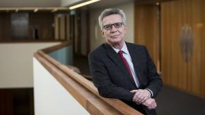 De Maiziere zweifelt an der Eignung Seehofers für das Amt des Bundesinnenministers