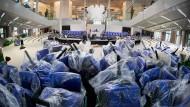 Die Bundestagsverwaltung kann ruhig schon einmal einen Schwung neue Stühle bestellen.