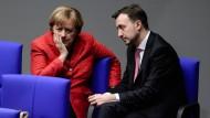 Wie geht es weiter mit der CDU? Merkel und Ziemiak bei einem Gespräch im November
