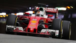 Vettel träumt weiter vom Titel in Rot