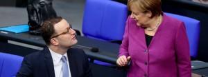 Vermutlich bald zusammen in der Regierung: Bundeskanzlerin Angela Merkel und der bisherige Parlamentarische Staatssekretär im Finanzministerium Jens Spahn