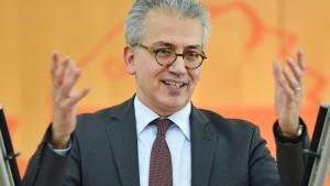 Hessens Wirtschaftsminister Al-Wazir für Abschaffung der Stromsteuer