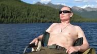 So ging es los: Wladimir Putin in diesem Sommer in Sibirien beim Sonnenbaden