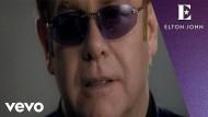 """In seinem Song """"Electricity"""" singt Elton John von einem unbeschreiblichen Gefühl, dass in ihm brennt."""