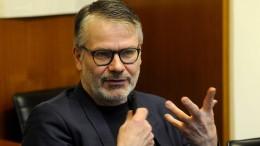 """Thomas Huber liest """"Decolleté"""" von Durs Grünbein"""