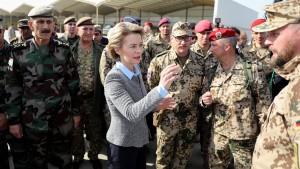 """Soldaten warnen vor """"Zusammenbruch"""" der Bundeswehr"""