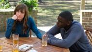 Chris Washington (Daniel Kaluuya) muss sich Rose Artmitages (Allison Williams) Eltern (vor)stellen.