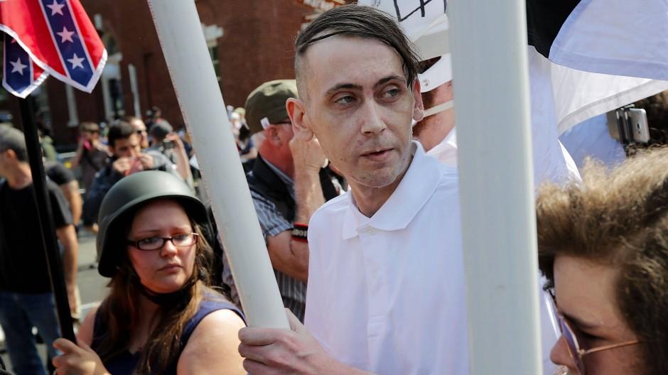 """Fühlen sich sofort auch benachteiligt: """"White Lives Matter"""" forderten die rechten Demonstranten von Charlottesville."""