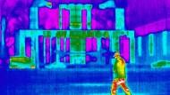 """Keine falsche Bewegung: Wärmebilder liefern Personendaten, die von dem Programm """"Insight"""" in Zukunft neu interpretiert werden – mit ungewissen Folgen."""