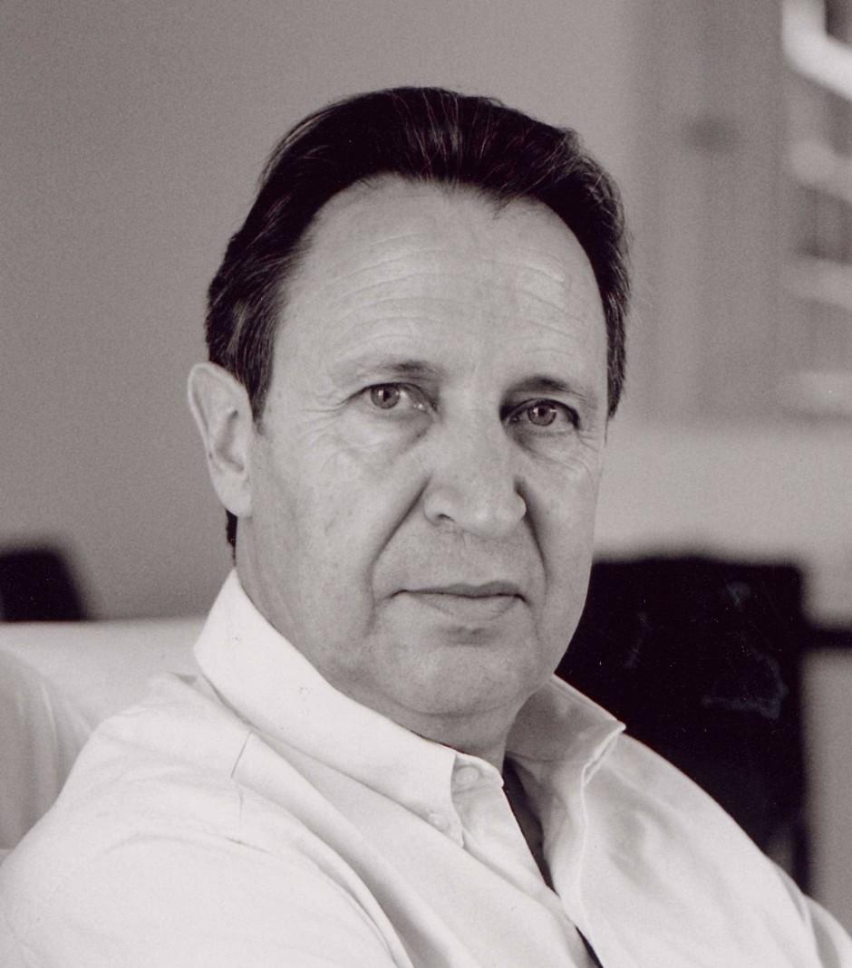 Lehrte bis 2009 Informationsethik an der Hochschule der Medien in Stuttgart, ist Herausgeber der International Review of Information Ethics und Leiter des International Center for Information Ethics: Rafael Capurro