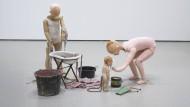 Zwischen Mythologie und Banalität: Cathy Wilkes im MoMA PS1