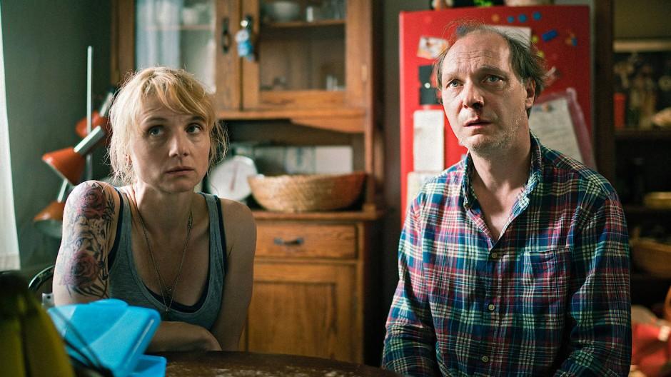 Am Ende ihrer Kräfte: Antonias Eltern Kati (Christina Große) und Thomas (Martin Brambach).
