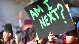 Die Jugend marschiert gegen Trump
