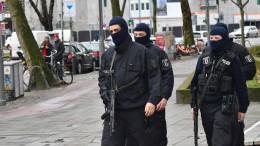 Razzien gegen mutmaßliche Schleuser-Bande