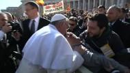 Franziskus feierlich ins Papst-Amt eingeführt