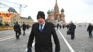 Seinen Mantel vertraut Boris Johnson den Russen an. Ansonsten vertraut er einer Devise Ronald Reagans.