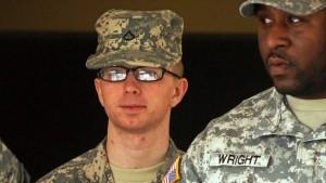 Manning gibt Dokumentenweitergabe zu